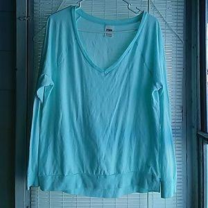 VS PINK basic long sleeve shirt!
